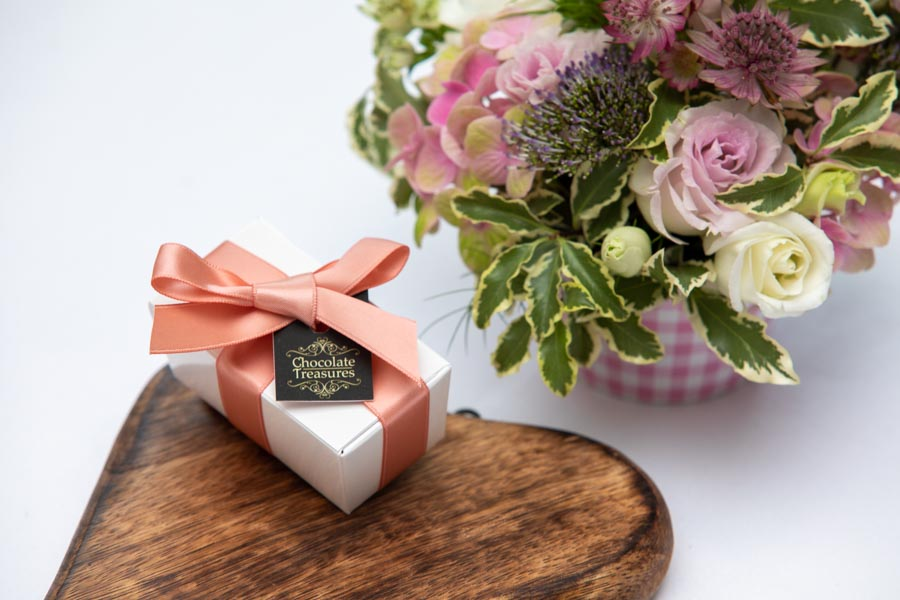 Weddings, flowers and chocolates make a great collaboration